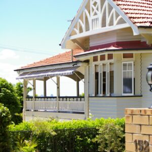 Noosa Drop Arm Pivot Arm Awnings